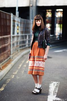 how-to-style-midi-skirt-16
