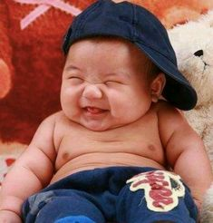 Happy boy -makes my hubby laugh out loud. Lil guy is just so cute and chubby with a warm smile. Precious Children, Beautiful Children, Beautiful Babies, Sweet Pictures, Baby Pictures, Just Smile, Happy Smile, Baby Kind, Baby Love