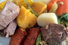 Receta de puchero seco a la chilena Carne Asada, Chilean Recipes, Pot Roast, Sausage, Ethnic Recipes, Chorizo, Foods, Appetizers, Chilean Food