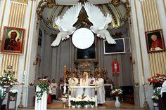 Masz pomysł na dekoracje naszego kościoła podczas I Komunii Świętej? Tutaj możesz go przedstawić