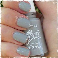 Colaboración Flormar. Colección Beauty Toys-->BT03 Princess castle. #flormar #swatch #swatches #notd #nailsblogger #followme #nails #like #nailspolish #polish #nailideas #manicure #nailartclub #nailartadict #cutepolish #nailstagram #instanails En sus esmaltes podréis encontrar variedad de colores, texturas y acabados. WEB: http://www.flormar.com/Spanish FACEBOOK: https://www.facebook.com/Flormar.Espana TWITTER: https://twitter.com/Flormarspain INSTAGRAM: http://instagram.com/flormarspain