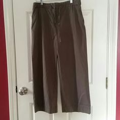 J Jill 100% Cotton Flare Leg Pant Comfortable brown flare cropped pant. 100% Cotton. Zipper closure with drawstring detail. Tags off but never worn. J. Jill Pants Wide Leg