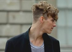 20 undercut hairstyles for men. Ideas about undercut hairstyles for men. Best Undercut Hairstyles, Top Hairstyles For Men, Curly Undercut, Undercut Women, Undercut Pompadour, Haircuts For Men, Straight Hairstyles, Hipster Haircuts, Haircut Men