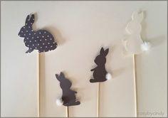 Hazen op een stokje gemaakt met de silhouette cameo. Leuk voor Pasen of de lente.