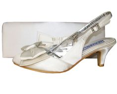 Twee Ivory Satin Slingback Ladies Shoe. #IvoryWeddingShoes