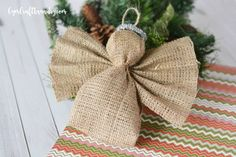 Want to make an easy yet stylish ornament for your Christmas tree this year? This burlap angel ornament is quick yet pretty.