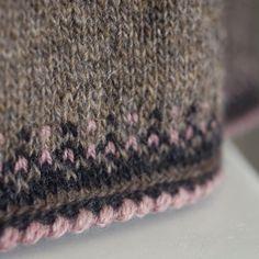 Knitting Gauge, Fair Isle Knitting, Types Of Yarn, Sweater Knitting Patterns, Digital Pattern, Wool Yarn, Knitting Projects, Knit Crochet, Print Patterns