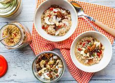 Quinoa Instant Porridge from Hemsley and Hemsley. Gluten-free, grain-free and sugar-free. Don't forget to activate your quinoa! Delicious Vegan Recipes, Healthy Recipes, Vegetarian Recipes, Tasty, Goji Berry Recipes, Hemsley And Hemsley, Dairy Free Breakfasts, Healthy Breakfasts, Quinoa Porridge