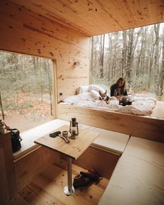 Tiny house Fall Creek, Wisconsin Are You Considering New Kitchen Cabinets? Tiny House Cabin, Tiny House Living, Tiny House Design, Small Living, Sweet Home, Cabins In The Woods, House On Wheels, Small Spaces, Indoor