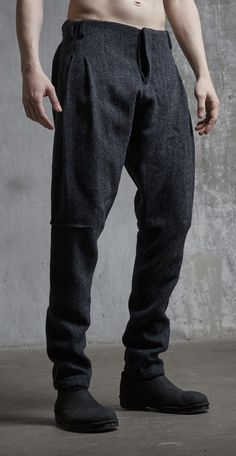 Tweed peg trousers peg trousers Tweed Peg trousers Tweed is part of Mens pants fashion - Fashion Pants, Mens Fashion, Fashion Outfits, Fall Fashion, Peg Leg Trousers, Trousers Mens, Design Japonais, Tweed Pants, Men's Pants