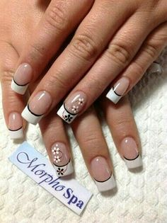 Nails with flowers and gold trim French Manicure Nails, French Tip Nails, Hair And Nails, My Nails, Glitter Nails, Gold Nails, French Nail Designs, Gel Nail Designs, Art Et Design