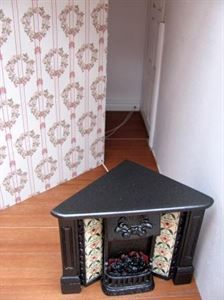 how to: fitting a dollhouse partition wall