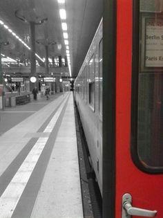 Ankunft des letzten Nachtzuges aus Paris in Berlin Hauptbahnhof, 13.12.2015