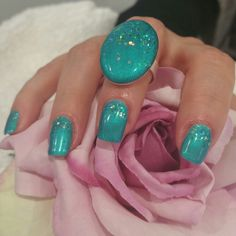 Nails with ring