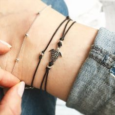 ____~ A ~ L I T T L E ~ B E A D E D ~ T U R T L E ~ A N K L E T ~____ ~ Super cute, silver tone turtle feature charm and beaded design. ~ A choice of black, white or sky blue cord. ~ This anklet does not have a clasp, but is designed to tie and fasten comfortably as shown in photo 4. ____S I Z E ~ G U I D E____ ~ This anklet comes in four sizes, X-Small, Small, Medium and Large. ~ Select your choice from the drop down list; X-Small (to fit 7-8) Small (to fit 8-9), Medium (to fit 9-10) or…