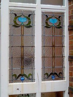 Old stained glass art nouveau floral window Antique Stained Glass Windows, Stained Glass Door, Stained Glass Designs, Stained Glass Panels, Stained Glass Projects, Stained Glass Patterns, Leaded Glass, Beveled Glass, Mosaic Glass