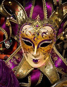 Venetian Carnival Masks, Carnival Of Venice, Venetian Masquerade, Masquerade Ball, Mardi Gras, Costume Venitien, Venice Mask, Edgar Allan Poe, Beautiful Mask