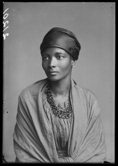 Eleanor Xiniwe , Le Choeur de l'Afrique , 1891-1893. London Stereoscopic Company. Gracieuseté de © Hulton Archive / Getty Images