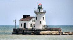 Cleveland, Ohio  Lighthouse without ice