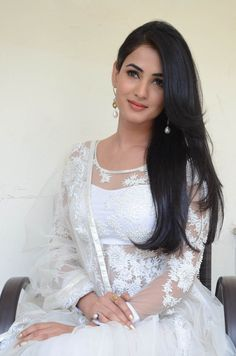 Sonal chauhan hot in white salwar photos