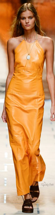 Trussardi Spring 2016 Ready-to-Wear Fashion Show - Kate Grigorieva Runway Fashion, Spring Fashion, High Fashion, Fashion Show, Fashion Design, Milan Fashion, Women's Fashion, Vanity Fair, Mode Orange