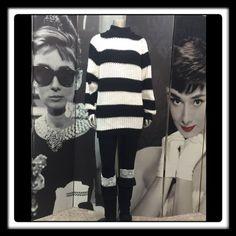 International Stefano Sweater Soft & Cozy Black & White International Stefano Sportswear Sweater! Very Comfortable & Warm! EXCELLENT CONDITION!! 100% Acrylic International Stefano Sweaters