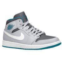 aj1 Casual Sneakers, Casual Shoes, High Top Sneakers, Sneakers Nike, Jordan Shoes For Men, Jordan Basketball Shoes, Newest Jordans, Foot Locker, Nike Air Force