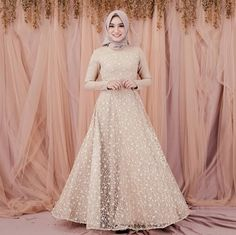 Inspiration for Bridal Gown by Modern Wedding - Modern Wedding Muslimah Wedding Dress, Hijab Wedding Dresses, White Wedding Dresses, Kebaya Dress, Dress Pesta, Kebaya Hijab, Bridal Hijab, Bridal Gowns, Dress Batik Kombinasi