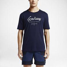 """ナイキラボ GYAKUSOU Dri-FIT """"Run in Reverse"""" ユニセックス Tシャツ. Nike Store JP"""