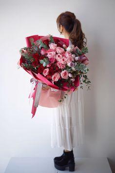 Food Bouquet, Pink Flower Bouquet, Gift Bouquet, Fresh Flowers, Pink Flowers, Luxury Flowers, Her Hair, Floral Arrangements, Really Cool Stuff