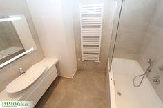 Gelungenen Bäder mit großformatigen Badezimmerfliesen 80 X 80, Hans Grohe Armaturen und vieles mehr Bathtub, Bathroom, Condominium, Taps, Real Estates, Bathing, Projects, Homes, Standing Bath