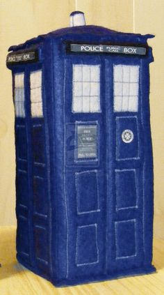 Felt diy TARDIS