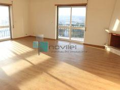T3 Novo c/ 158m2 virado a Sul Poente com sol todo o dia em prédio com elevador próximo da estação de comboios de Leiria.  #apartamento #t3 #novilei #venda #imoveis #imobiliaria #leiria #realestate