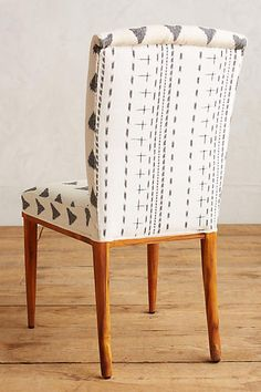 Creative Home, Elza, Ikat, Dining, and Chair image ideas & inspiration on Designspiration Bedroom Hacks, Dining Chairs, Dining Room, Mixing Prints, Humble Abode, Creative Home, Ikat, Home And Living, Home Furniture