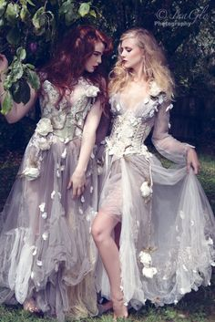 Rosie Red Corsetry & Couture's Wild Roses collection featuring bespoke luxury corsetry and fantasy bridal wear. Barbie Mode, Fantasy Dress, Fantasy Hair, Fantasy Makeup, Fantasy Costumes, Fairy Costumes, Fairy Dress, Belle Photo, The Dress