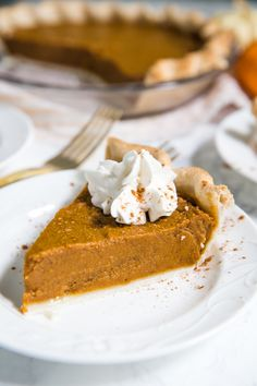 Vegan Pumpkin Pie- this classic pie is very simple to make and SO delicious. Your friends and family will never even know that it is vegan! Dairy Free Pumpkin Pie, Best Pumpkin Pie, Vegan Pumpkin Pie, Pumpkin Pie Recipes, Pumpkin Dessert, Coconut Oil Pie Crust, Vegan Pie Crust, Vegan Cake, Vegan Desserts