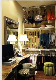 Really smart to store the bags up top..organize