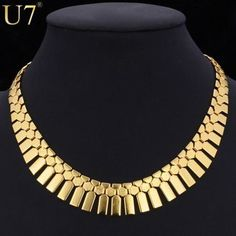 The fashion necklace has the pattern of geometric and has the material of metal.  It has the length of 46 cm and can be used for occasion like anniversary party and gift. #chokernecklace #fashion #choker #jewelry #necklace