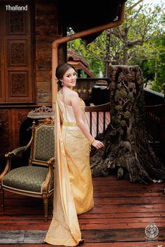 Thai wedding dress. ชุดไทยจักรี Credit: อัปสรานครเช่าชุดขอนแก่น. The national costume of Thailand. Thai traditional wedding dresses and new Thai modern style dresses. In Thailand especially for contemporary traditional wedding ceremony style. Thailand. #ชุดไทย #ชุดไทยจักรี #ชุดไทยพระราชนิยม #ชุดประจำชาติไทย #wedding #dresses #sbai #traditional #national #costume #modern #bride #silk #culture #hairstyle #makeup #jewelry #outfit #Siam #Alicio #Aliciothailand #Thailand Thai Wedding Dress, Wedding Dresses, Thailand National Costume, Costumes, Bride Dresses, Bridal Gowns, Dress Up Clothes, Fancy Dress