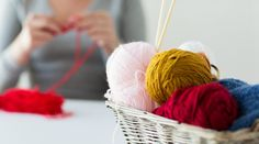 Basket of different coloured wools How To Start Knitting, Knitting For Kids, Easy Knitting, Knitting For Beginners, Knitting Projects, Yarn Images, Craft Corner, Types Of Yarn, Fun Crafts