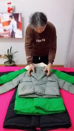 Diy Clothes Life Hacks, Diy Clothes And Shoes, Clothing Hacks, Fold Clothes, Simple Life Hacks, Useful Life Hacks, Diy Crafts Hacks, Diy Projects, Diy Fashion Hacks