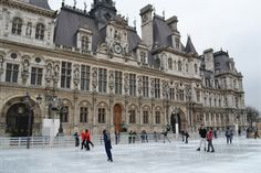 La patinoire de l'Hôtel de Ville - Paris, France