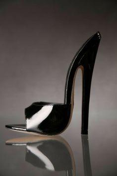 26 High Heel Mules That Look Fantastic - New Shoes Styles & Design Extreme High Heels, Hot High Heels, Sexy Heels, High Heels Stilettos, Zapatillas Peep Toe, Talons Sexy, Beautiful High Heels, Killer Heels, Stiletto Shoes