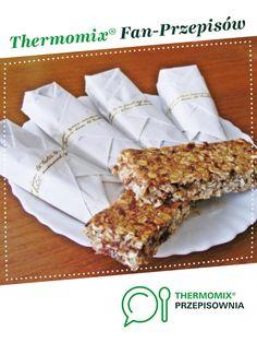 Batoniki owsiane jest to przepis stworzony przez użytkownika Sol Angelika. Ten przepis na Thermomix<sup>®</sup> znajdziesz w kategorii Słodkie wypieki na www.przepisownia.pl, społeczności Thermomix<sup>®</sup>. Vegan Treats, Vegan Desserts, Vegan Recipes, Vegan Runner, Vegan Gains, Vegan Muscle, Recipe Boards, Vegan Pizza, Vegan Cake