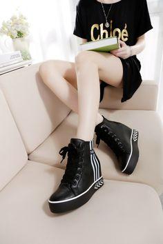 Giày thể thao nữ cao cổ giấu đế, kiểu dáng thời trang, mẫu Hàn Quốc giá rẻ nhất