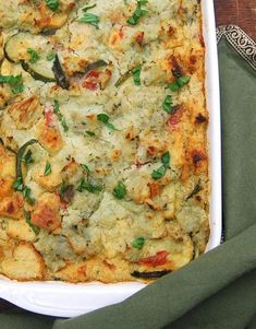 recipes breakfast Vegan Zucchini Breakfast Strata A delicious, soy-free vegan zucchini breakfast strata with mashed potatoes and basil lemon cream. Perfect to eat any time of the day. Zucchini Breakfast, Breakfast Desayunos, Breakfast Casserole Easy, Vegan Breakfast Recipes, Vegetarian Recipes, Healthy Recipes, Vegan Zucchini Recipes, Vegetarian Breakfast, Vegan Zucchini Boats