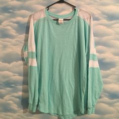 NWOT Victoria's Secret PINK small varsity long tee NWOT Victoria's Secret PINK small varsity long sleeve oversized tee! Super soft in a gorgeous deadpan green and white! PINK Victoria's Secret Tops Tees - Long Sleeve
