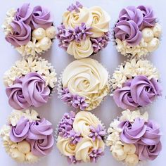 The best flowers cake I've ever made! Elegant Cupcakes, Fancy Cupcakes, Pretty Cupcakes, Beautiful Cupcakes, Flower Cupcakes, Wedding Cupcakes, Purple Cupcakes, Cupcake Decorating Tips, Cake Decorating Frosting