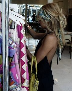 My fave of Nicole Richie's head scarf looks. It looks so easy, but I can't for the life of me work out how to do it in my hair! My Hairstyle, Scarf Hairstyles, Summer Hairstyles, Pretty Hairstyles, Bohemian Hairstyles, Latest Hairstyles, Hairstyle Ideas, Bandana Hairstyles For Long Hair, Twisted Hairstyles