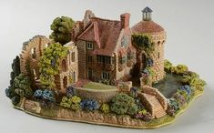 Lilliput Lane English Cottages at Replacements, Ltd